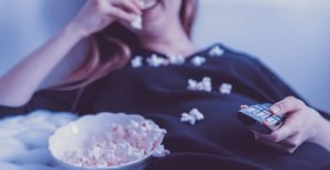 woman-eating-popcorn